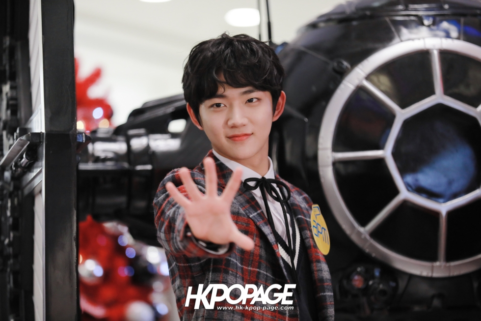 [HK.KPOP.PAGE] 171224_Heong-seop x Eui Woong autograph event_16