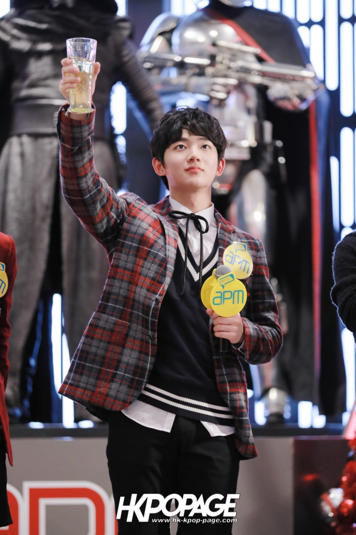 [HK.KPOP.PAGE] 171224_Heong-seop x Eui Woong autograph event_37