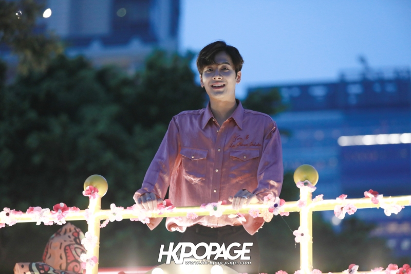 [HK.KPOP.PAGE] 180215_Jackson Wang The International Chinese New Year Night Parade _15