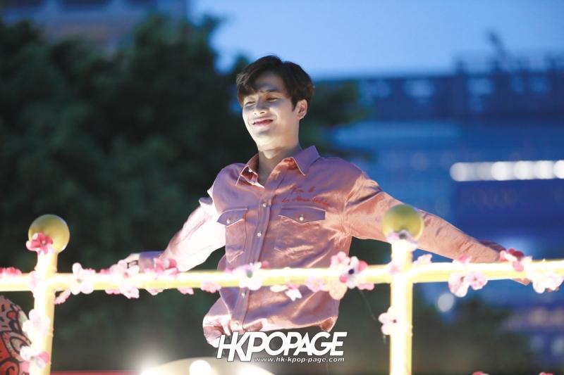 [HK.KPOP.PAGE] 180215_Jackson Wang The International Chinese New Year Night Parade _17