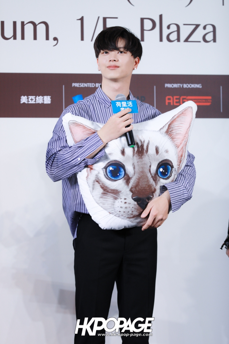 "[HK.KPOP.PAGE] 180518_Yook Sung Jae""Paradise""Fan Meeting in Hong Kong Press Conference_21"